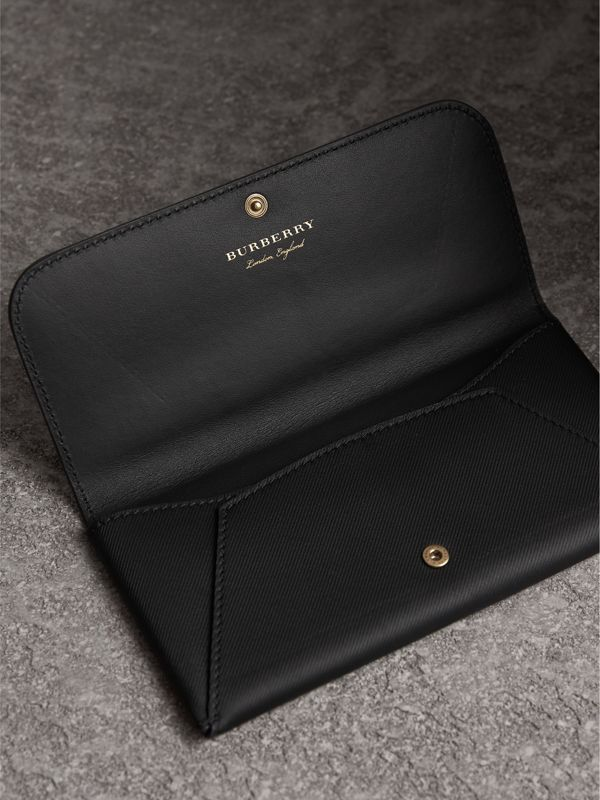 Trench Leather Envelope Wallet in Black - Women | Burberry - cell image 3