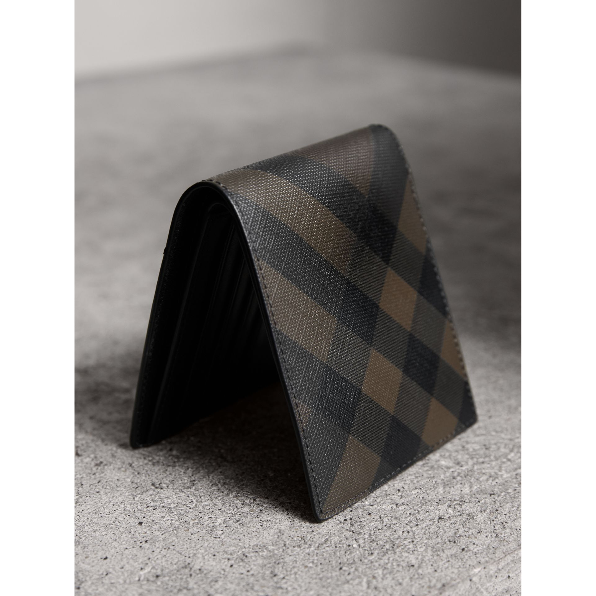 London Check ID Wallet in Chocolate/black - Men | Burberry Singapore - gallery image 3