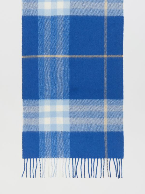 The Classic Check Cashmere Scarf in Inky Blue/bluebell | Burberry United Kingdom - cell image 3