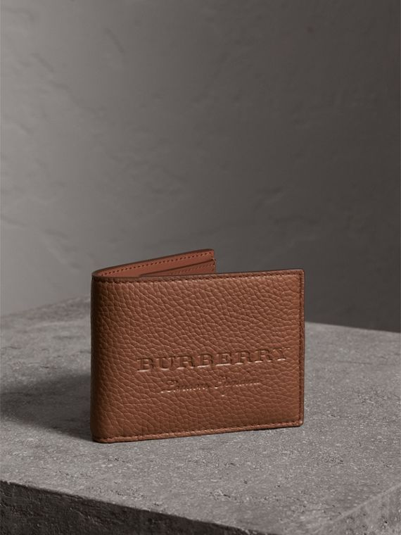 Textured Leather Bifold Wallet in Chestnut Brown