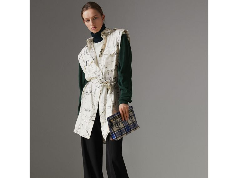 Landmark Print Silk Shirt Dress in Off White/ Black - Women | Burberry United Kingdom - cell image 4