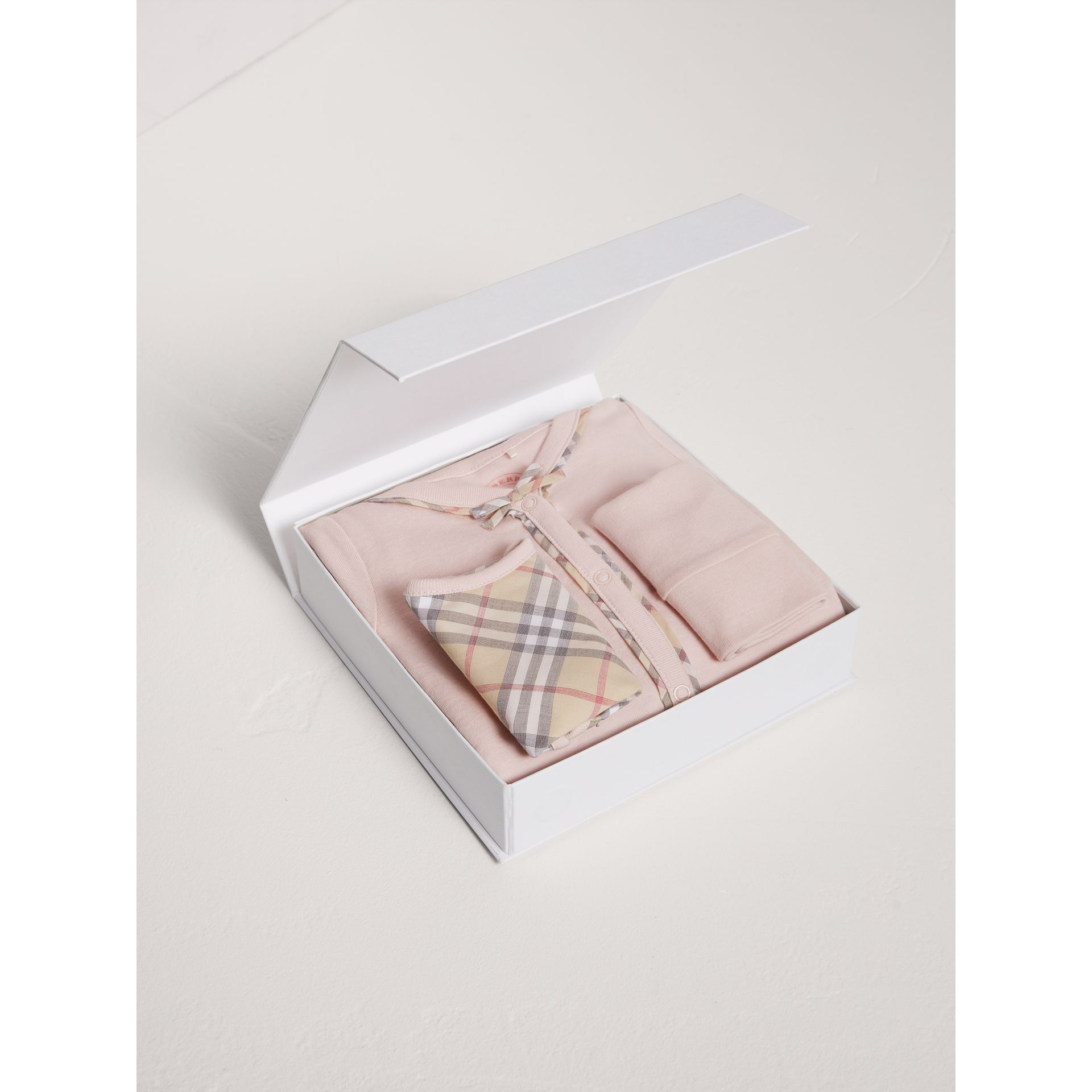Check Cotton Three-piece Baby Gift Set in Powder Pink - Girl | Burberry - gallery image 2