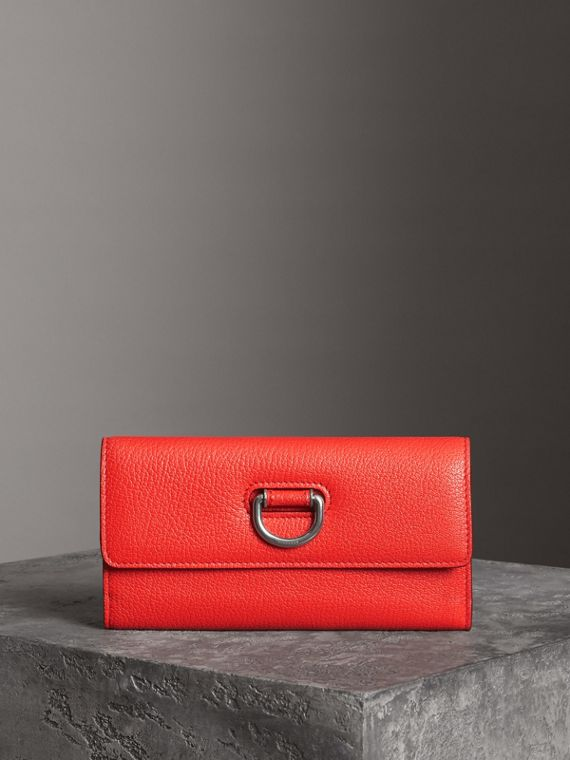 D-ring Grainy Leather Continental Wallet in Bright Red