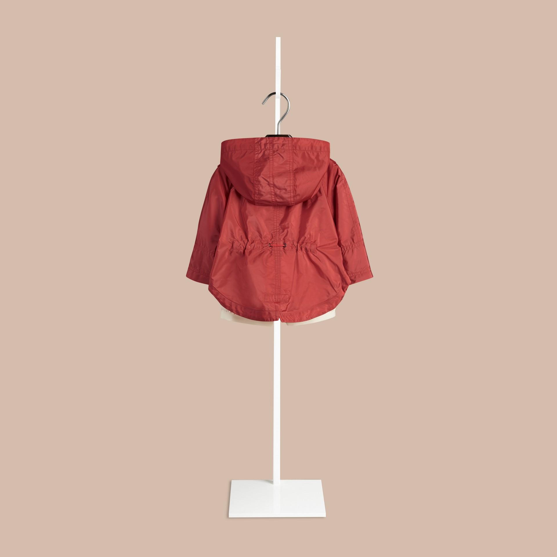 Rosa cobre intenso Parka tipo capa en tejido técnico - imagen de la galería 2