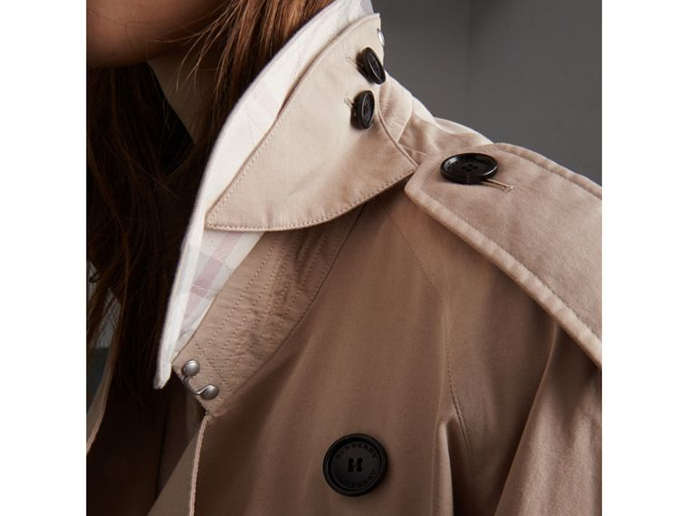 Unisex Tropical Gabardine Trench Jacket in Light Taupe - Women | Burberry - cell image 4