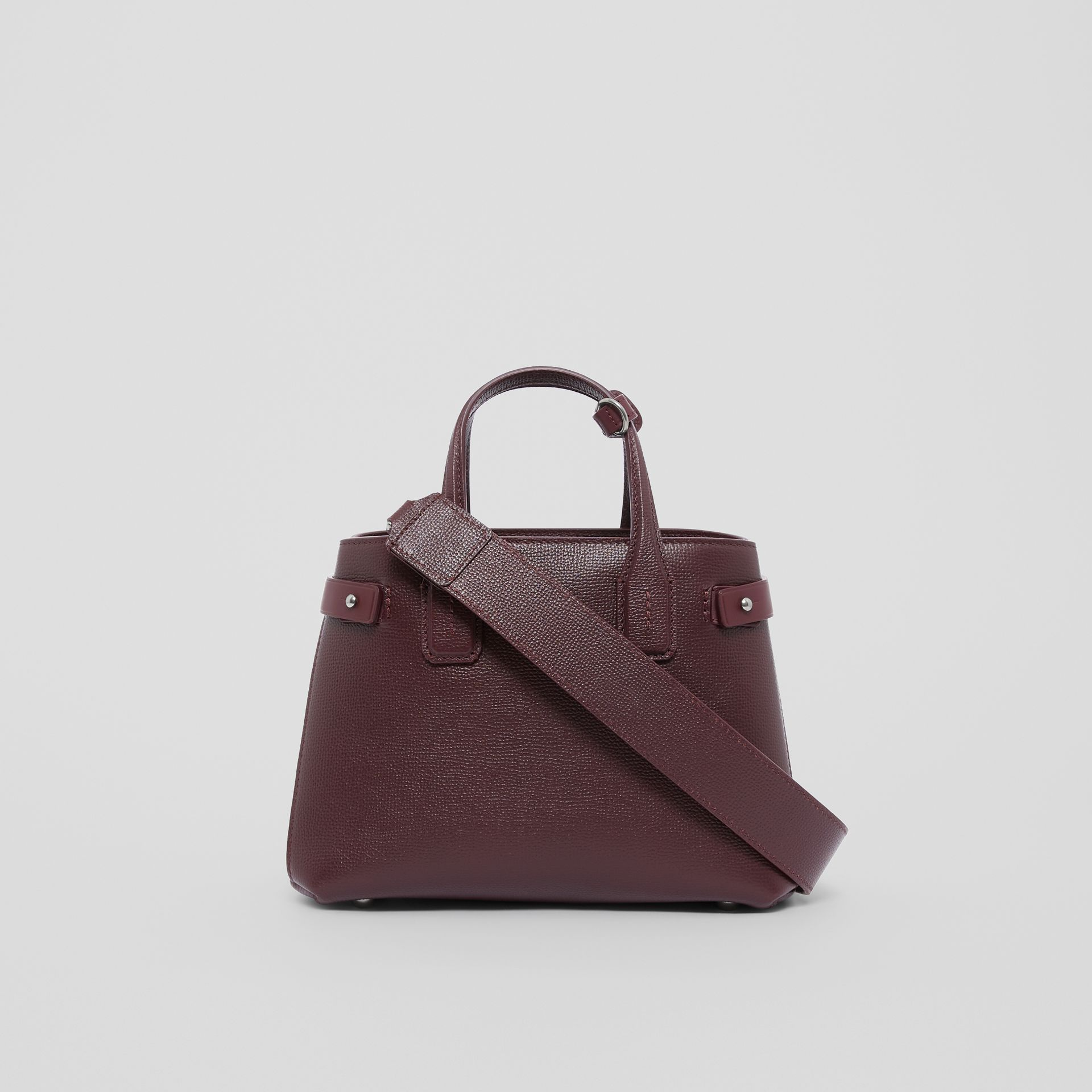 The Small Banner Bag in Leather and Vintage Check in Mahogany Red - Women | Burberry United Kingdom - gallery image 7