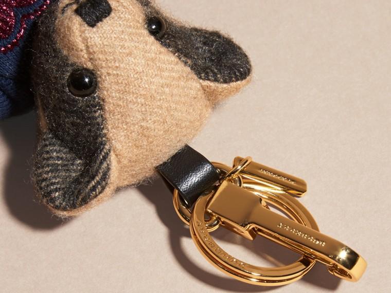 Chameau Bijou porte-clés Thomas Bear en cachemire à motif check - cell image 1