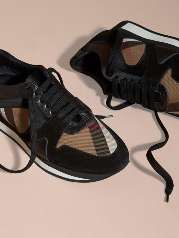 House check/smoke métallisé Field Sneakers en tissu à motif House check, cuir velours et cuir - cell image 2
