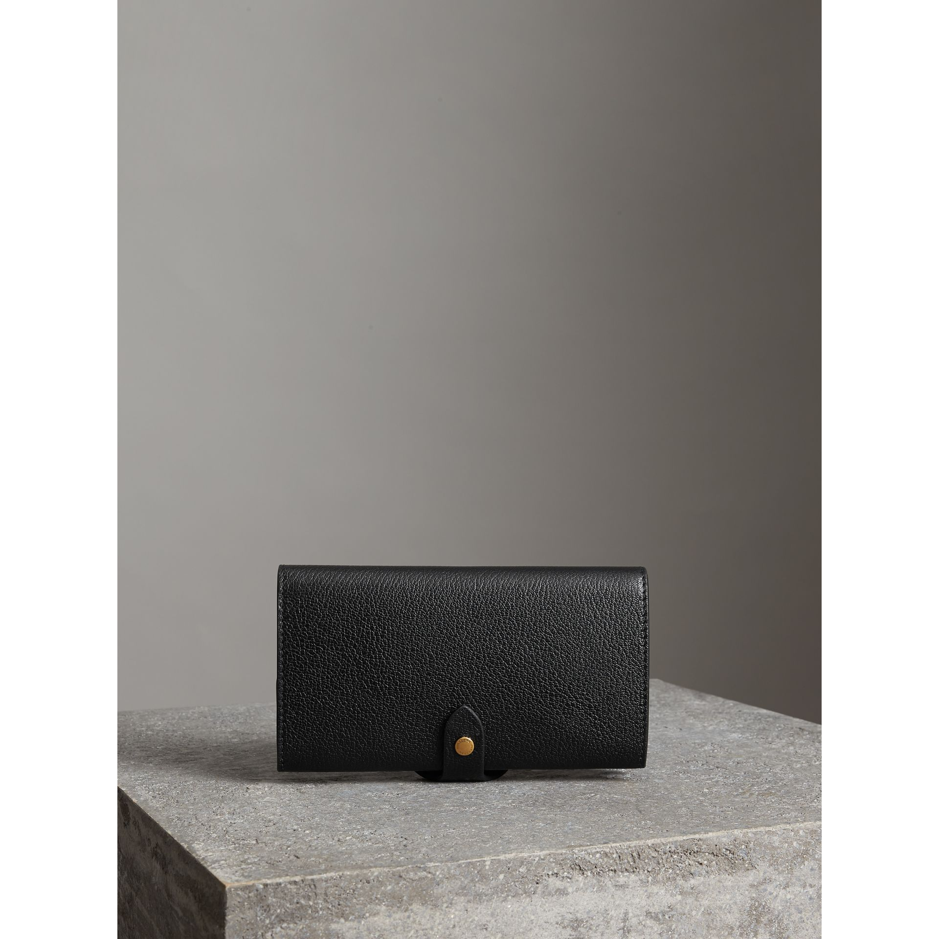 Equestrian Shield Two-tone Leather Continental Wallet in Black - Women | Burberry Australia - gallery image 2