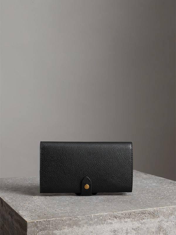 Equestrian Shield Two-tone Leather Continental Wallet in Black - Women | Burberry Hong Kong - cell image 2