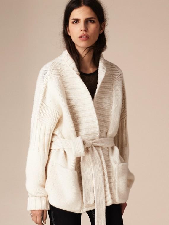 Bianco Cardigan in cashmere lavorato a maglia con cintura - cell image 3