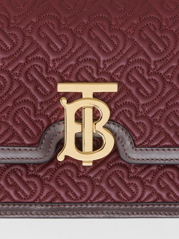 小型絎縫花押字羔羊皮 TB 包 (暗酒紅色) - 女款 | Burberry - cell image 1
