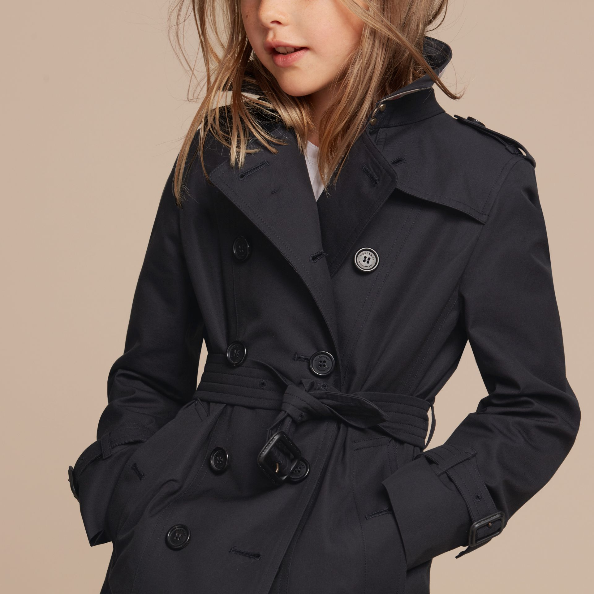 The Sandringham – Heritage Trench Coat in Navy - Girl | Burberry - gallery image 6