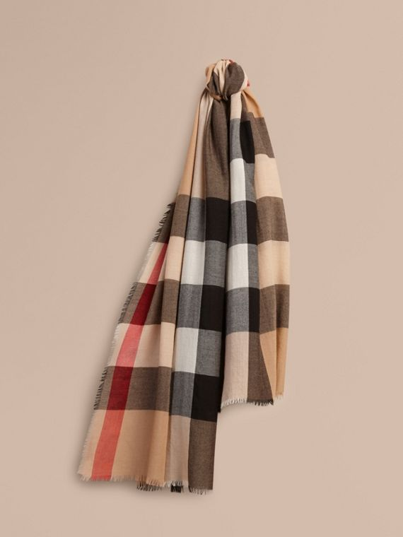 The Lightweight Cashmere Scarf in Check Camel