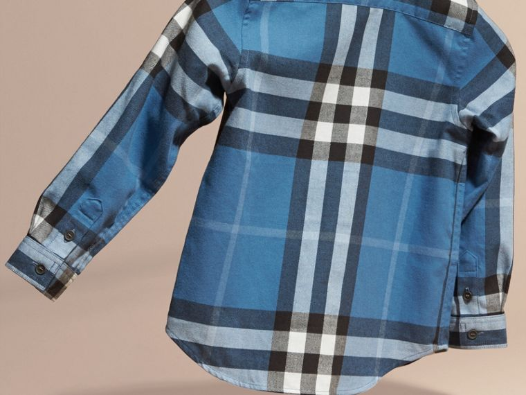 Blu acciaio intenso Camicia button-down in flanella di cotone con motivo check - cell image 2