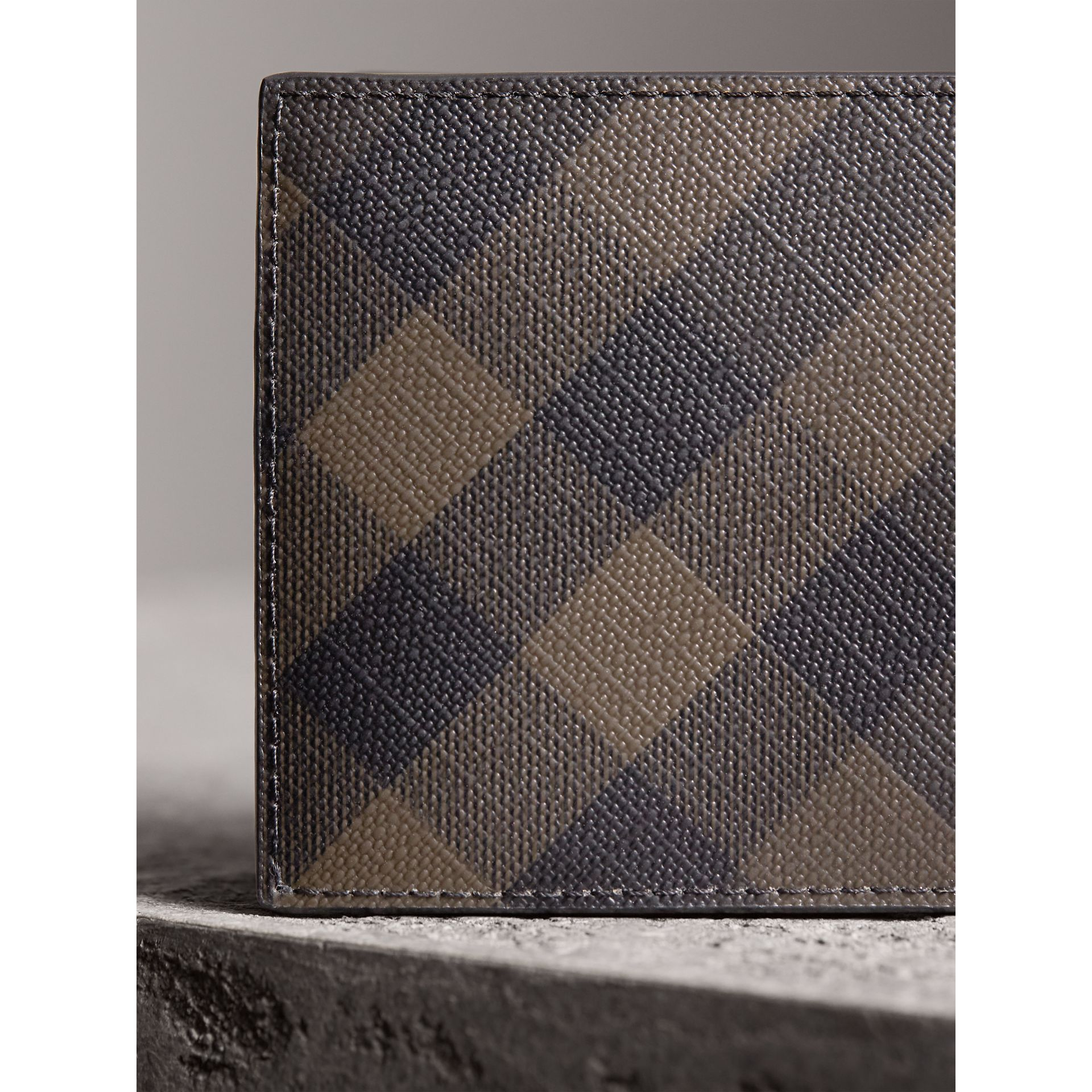 London Check and Leather Bifold Wallet in Chocolate/black - Men | Burberry Australia - gallery image 2