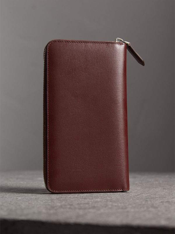 London Leather Ziparound Wallet in Burgundy Red | Burberry Singapore - cell image 2