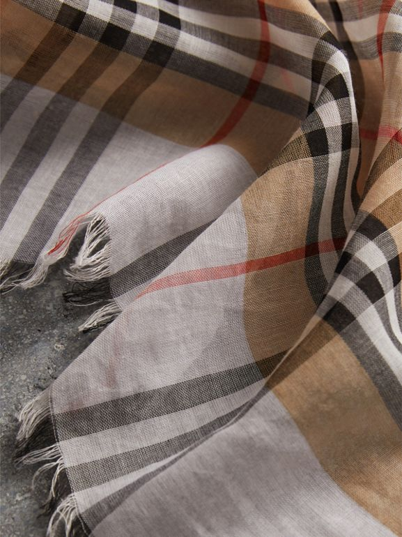 Two-tone Vintage Check Cotton Square Scarf in White | Burberry Hong Kong - cell image 1