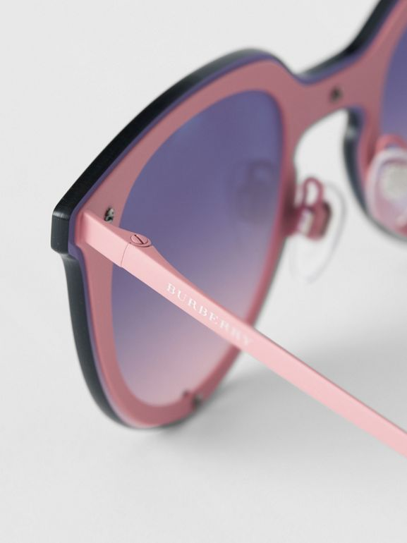 Keyhole Round Frame Shield Sunglasses in Pink - Women | Burberry Canada - cell image 1