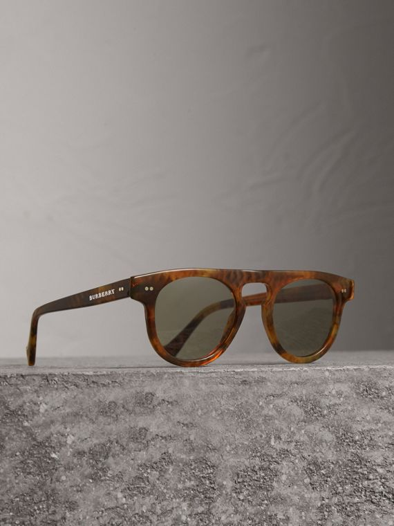 The Keyhole Round Frame Sunglasses in Vintage Tortoiseshell/brown