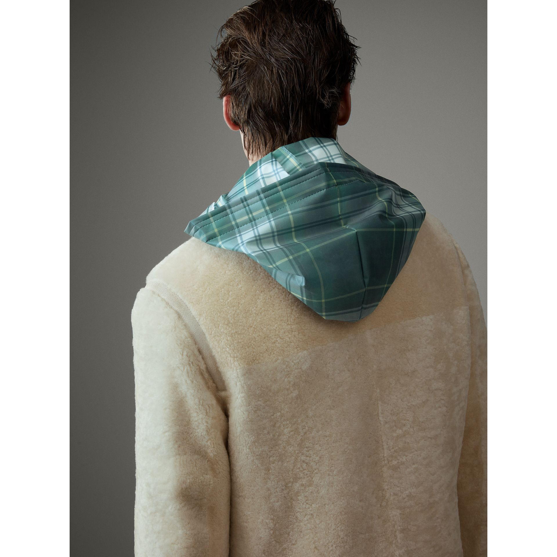 Veste en shearling (Blanc) - Homme | Burberry - photo de la galerie 5