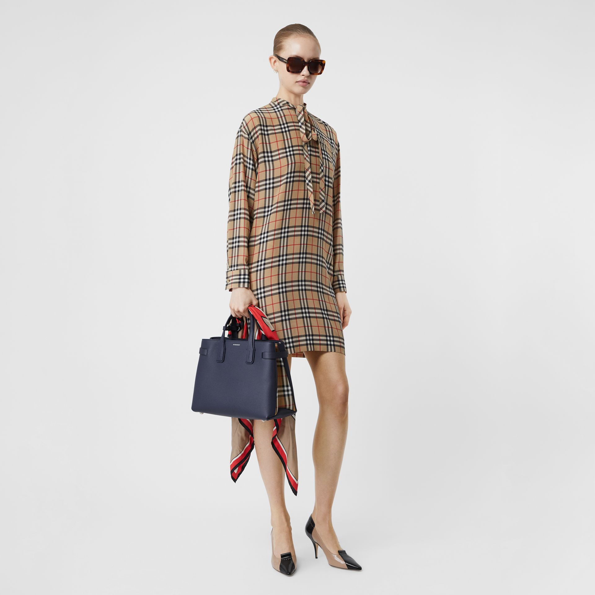 The Medium Banner in Leather and Vintage Check in Regency Blue - Women | Burberry - gallery image 5