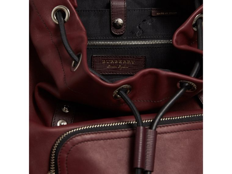 The Large Rucksack in Water-repellent Leather in Burgundy Red - Men | Burberry Singapore - cell image 4