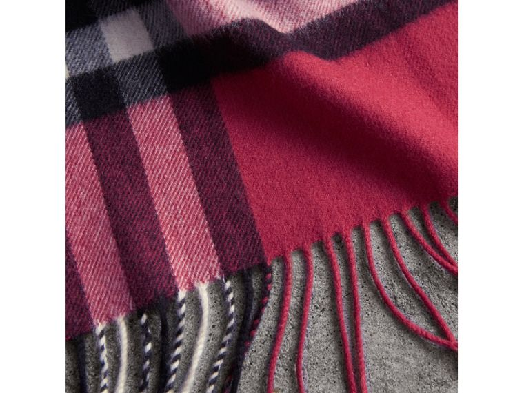 The Classic Check Cashmere Scarf in Fuchsia Pink | Burberry Canada - cell image 4
