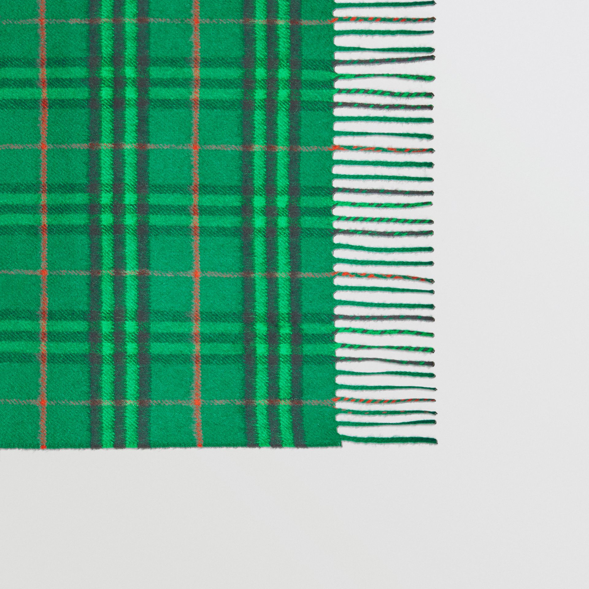 The Classic Vintage Check Cashmere Scarf in Viridian Green | Burberry United Kingdom - gallery image 1
