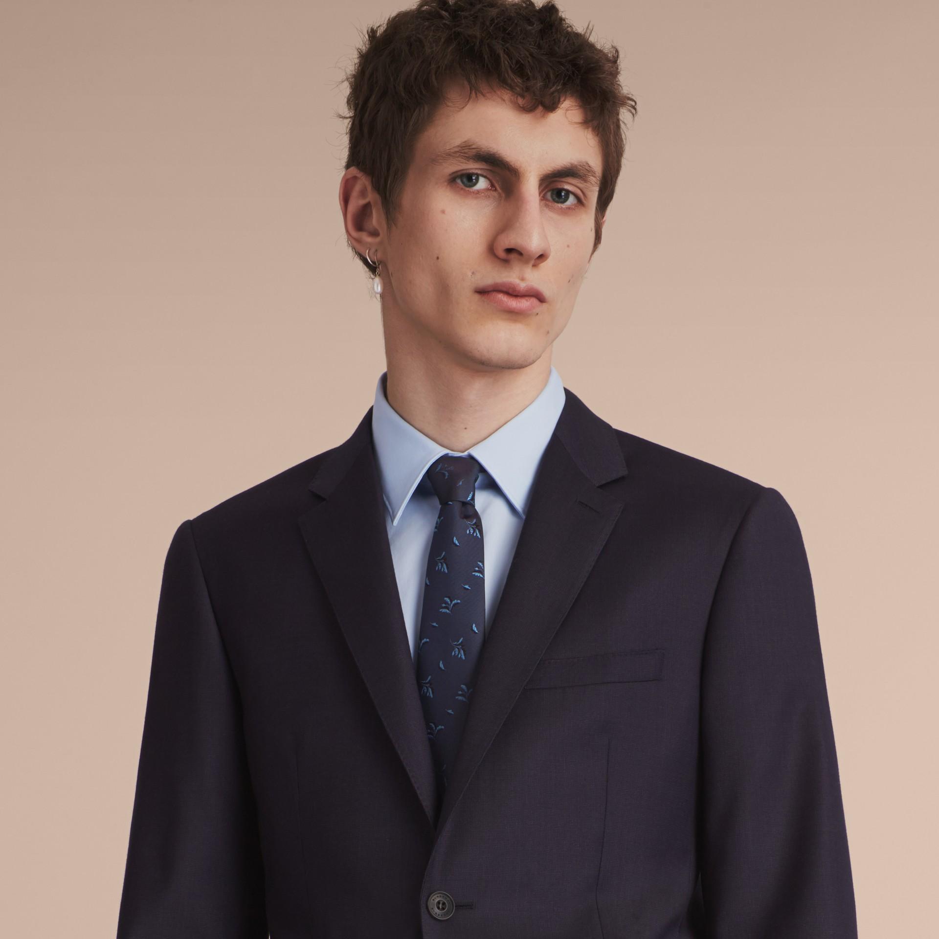 Cravatta dal taglio moderno in seta jacquard con motivo a foglia Blu Ortensia - immagine della galleria 3