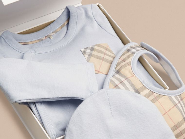 Check Cotton Three-piece Baby Gift Set in Ice Blue | Burberry - cell image 1