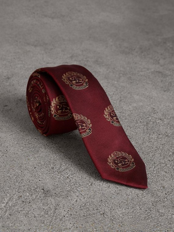 Slim Cut Archive Crest Silk Tie in Claret