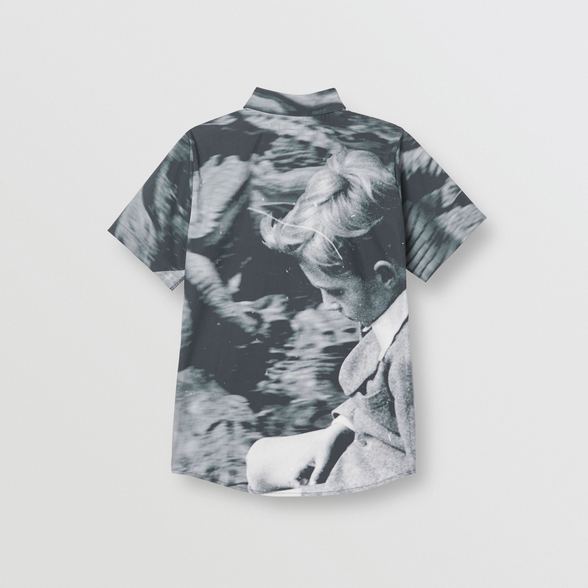 Short-sleeve Vintage Photo Print Cotton Shirt in Black | Burberry - gallery image 3