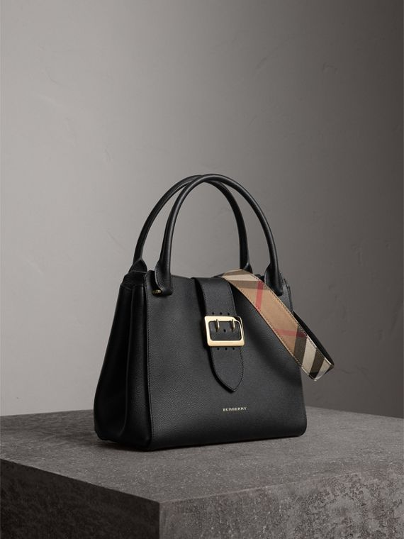 Borsa tote The Buckle media in pelle a grana (Nero) - Donna | Burberry