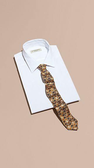 Slim Cut Decorative Jacquard Silk Tie