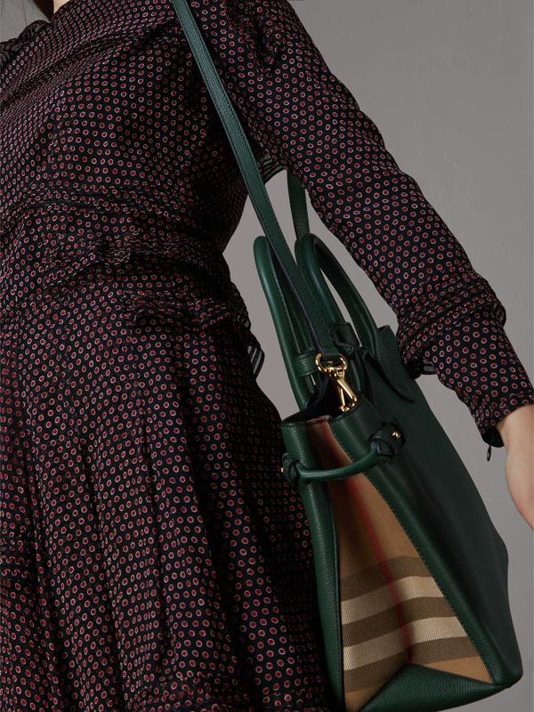 The Medium Banner in Leather and House Check in Dark Bottle Green - Women | Burberry Australia - cell image 2
