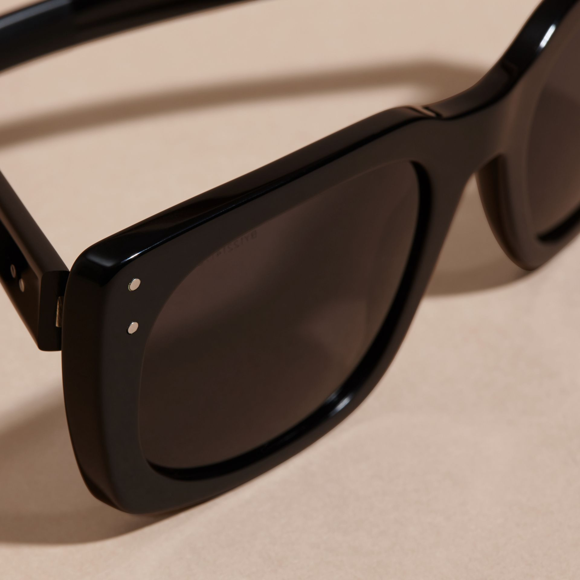Black Square Frame Sunglasses Black - gallery image 2
