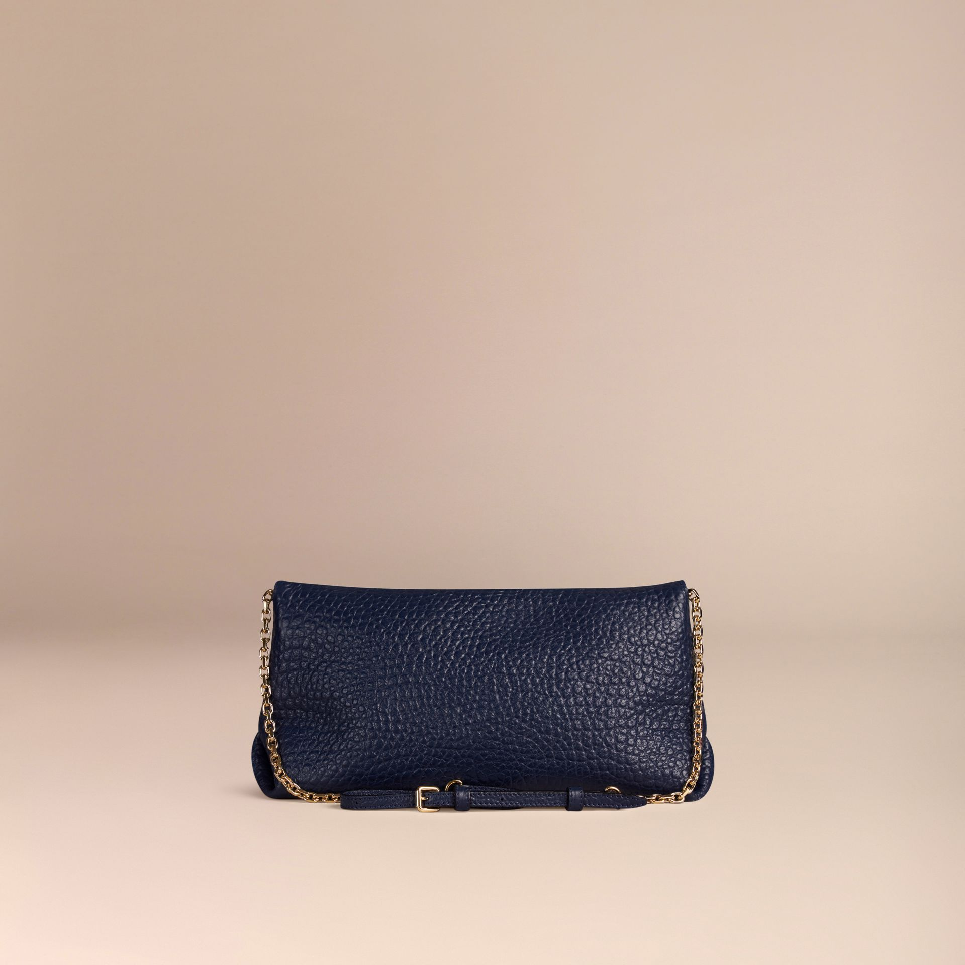 Blue carbon Medium Signature Grain Leather Clutch Bag Blue Carbon - gallery image 4