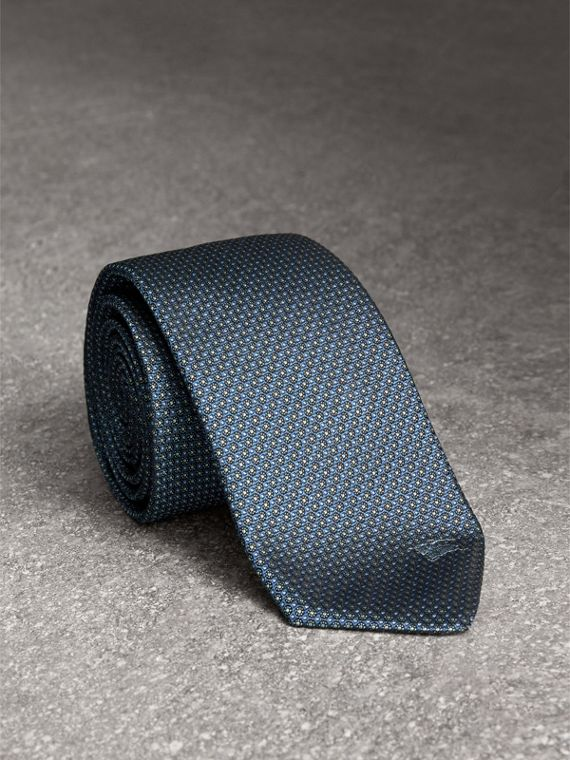 Modern Cut Patterned Silk Tie in Light Blue