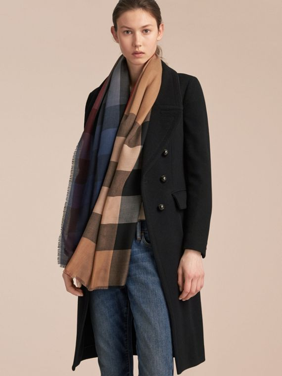 The Lightweight Cashmere Scarf in Ombré Check in Camel/navy | Burberry Hong Kong - cell image 2
