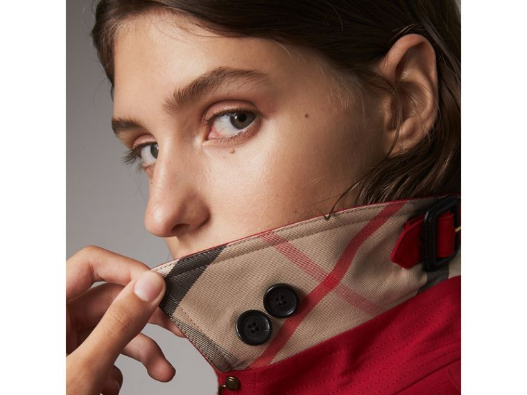 The Kensington – Mid-Length Heritage Trench Coat in Parade Red - Women | Burberry Singapore - cell image 1