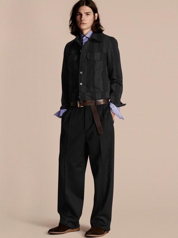 Джинсовая куртка в полоску