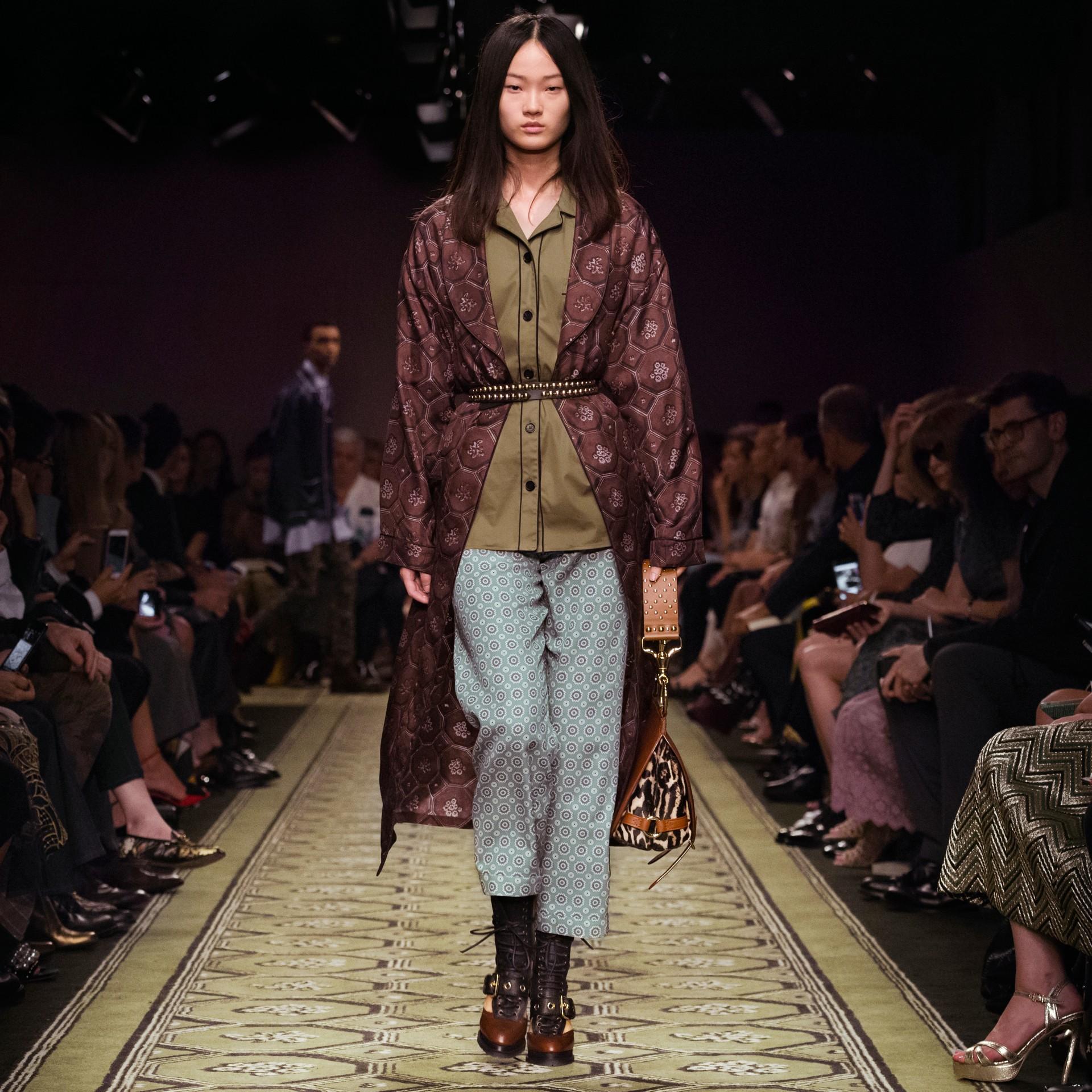 Helles steinblau Hose aus Baumwollseide im Pyjamastil mit kürzerer Beinlänge und Pyjamadruck Helles Steinblau - Galerie-Bild 7