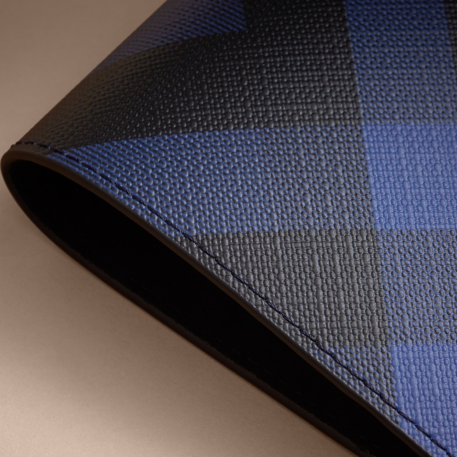 London Check and Leather Passport Holder in Bright Lapis - Men | Burberry Hong Kong - gallery image 2