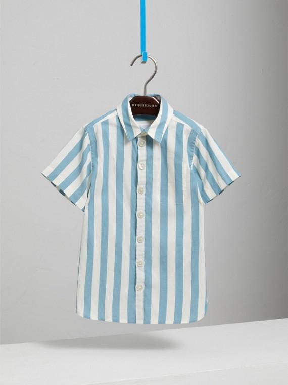 Kurzärmeliges Baumwollhemd mit Streifenmuster (Helles Opal)