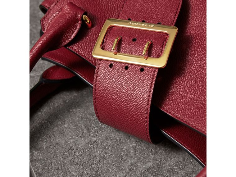 The Medium Buckle Tote in Grainy Leather in Parade Red - Women | Burberry United Kingdom - cell image 1