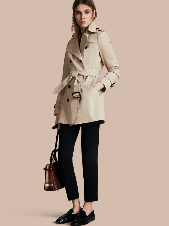 The Sandringham – Short Heritage Trench Coat Stone