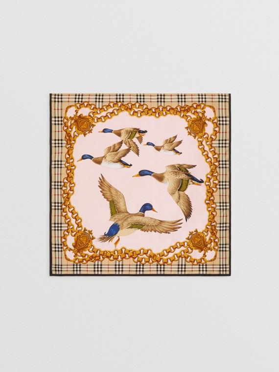 Seidenkarreeschal mit Vintage-Aufdruck (Goldfarben)