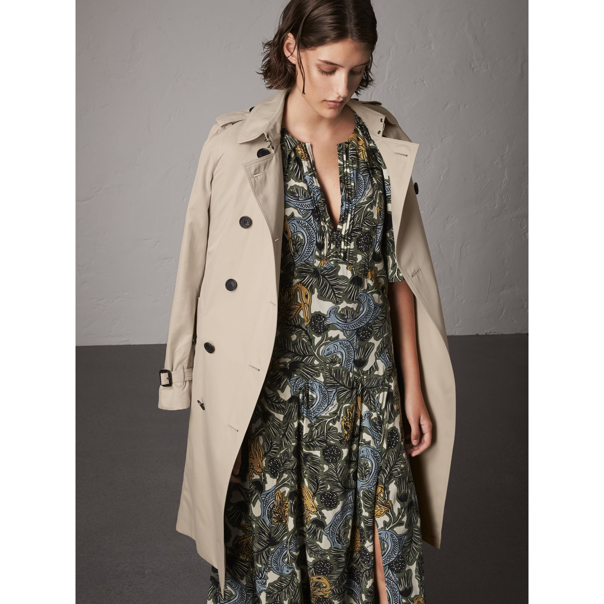 The Kensington – Extra-long Trench Coat in Stone - Women | Burberry - gallery image 8