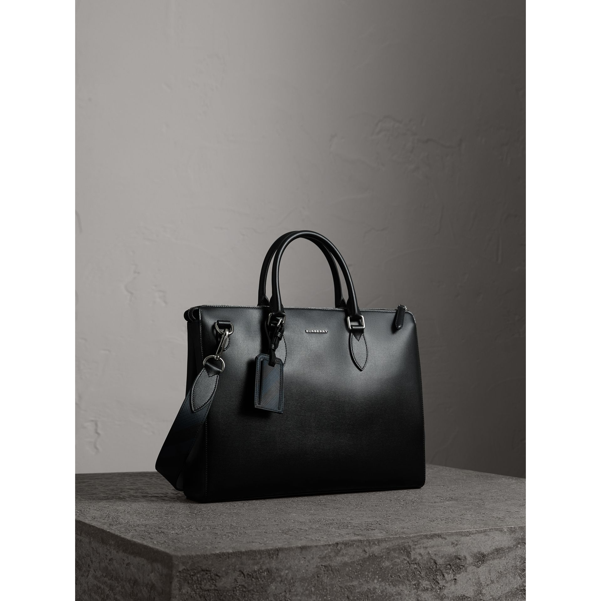 Large London Leather Briefcase in Black - Men | Burberry - gallery image 7